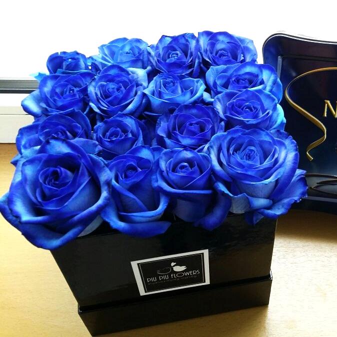 48a9f6f79b7914 Niebanalne i niebieskie róże